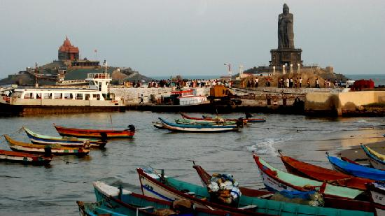 Kanyakumari, Indien: The two memorials