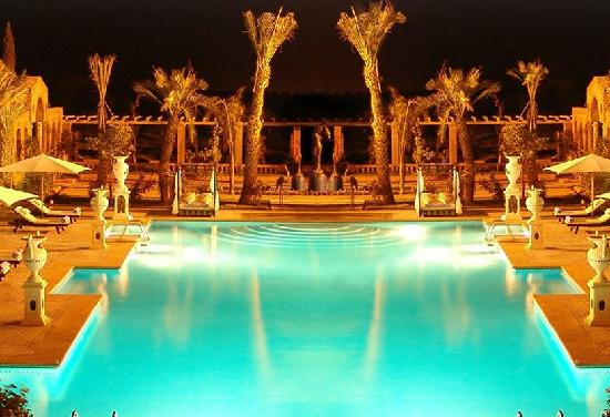 L Mansion Marrakech : Pool side dinners with the entire family