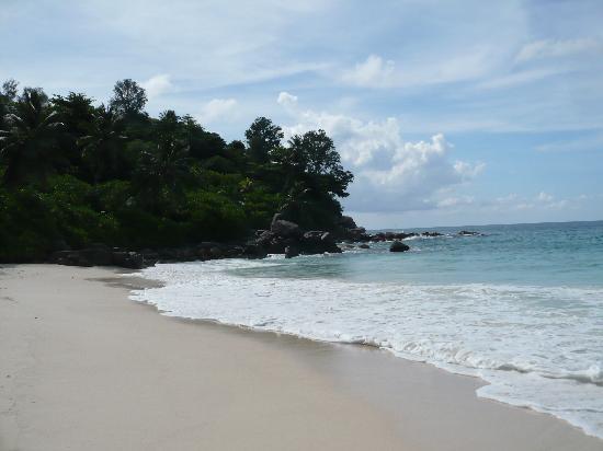 Carana Hilltop Villa: Carana beach