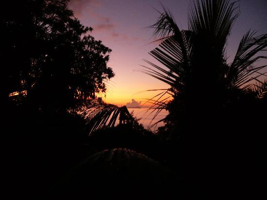 Carana Hilltop Villa : tramonto visto dal nostro balcone