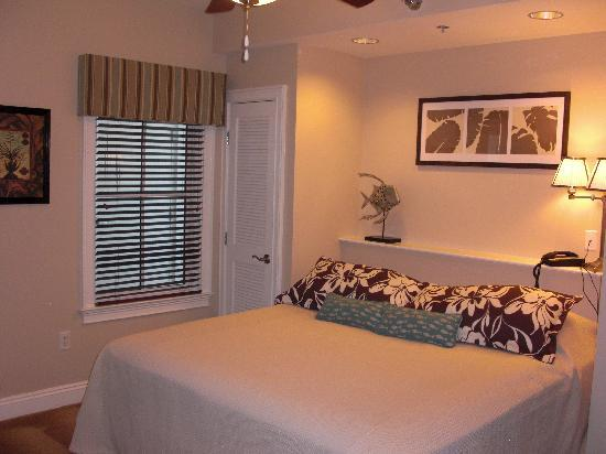 Carillon Beach Resort Inn: All King size beds with Queen sofa sleeper