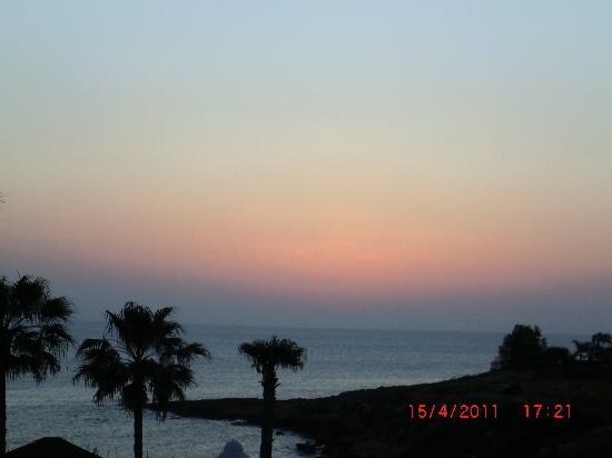 Atlantica Golden Beach Hotel: Sunset from the bar