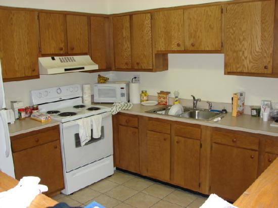 Tanglewood Golf Course and Condos: Kitchen