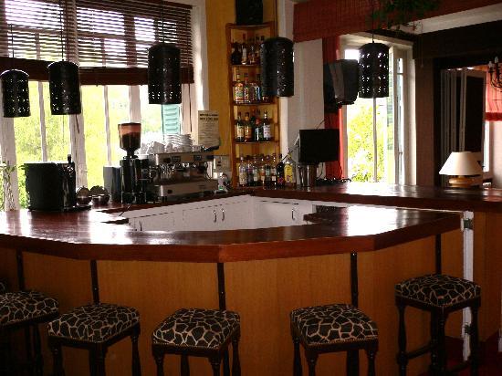 Hotel et Villa des Bains & Spa: le bar trés smypa