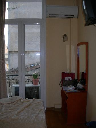 โรงแรมเซซิล: bedroom