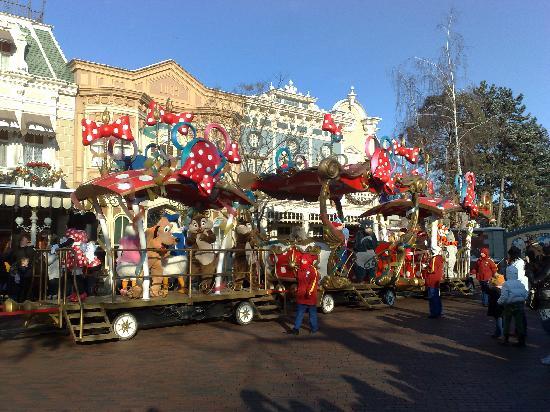 Πάρκο Ντίσνεϊλαντ: petite parade