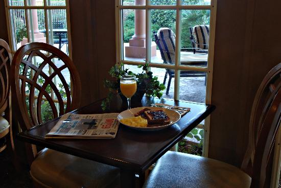Country Inn & Suites By Carlson, Mesa: Breakfast