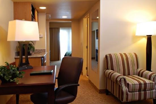 Country Inn & Suites By Carlson, Mesa: Suite Hallway