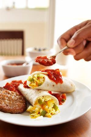 Country Inn & Suites By Carlson, Mesa: Breakfast Burrito