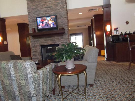 Staybridge Suites Stafford: Lobby area