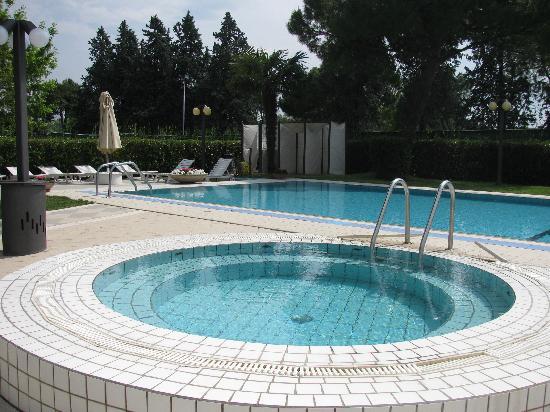 Hotel Tiffany's : piscina fantastica