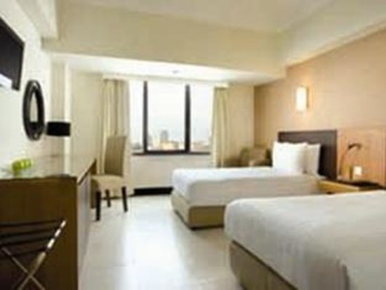 Photo of Hotel Santika Pandegiling Surabaya