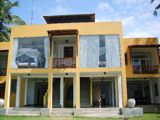 Amanda Beach Villa : View of villa from beach