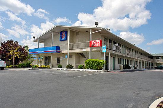 Motel 6 Reno - Virginia Plumb: Motel 6 Reno-Virginia Plumb