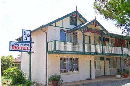 3 Explorers Motel