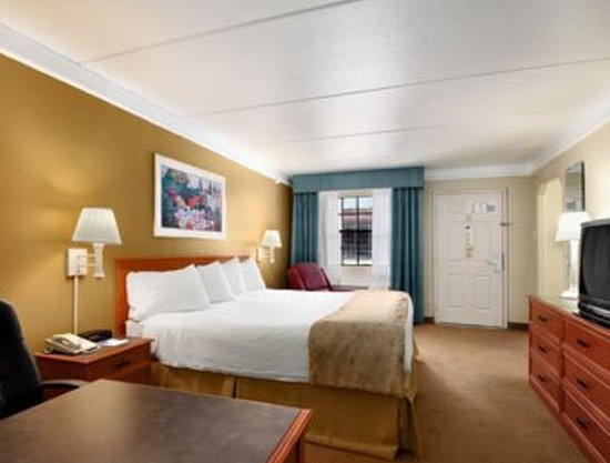 Days Inn Houston: Baymont Inn & Suites Houston Brookhollow