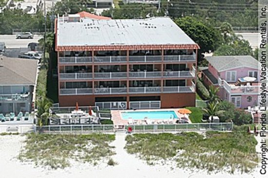 Indian Rocks Beach, FL: Casa de Playa Condominiums