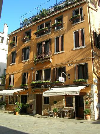 ألي ألبوريتيه: Hotel Agli Alboretti