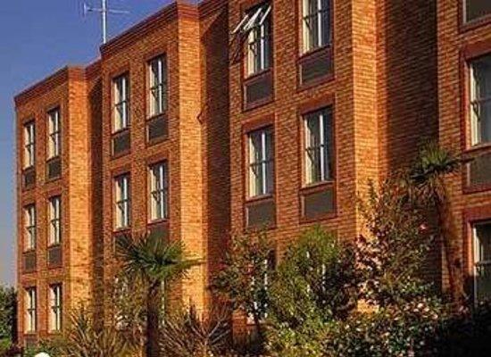 Town Lodge Sandton-Grayston Drive