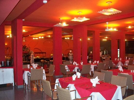 Mornea Hotel : restaurant