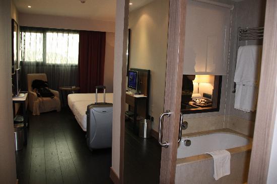 Habitacion Desde La Puerta De Entrada Picture Of Hotel Urh Zen - Habitaciones-zen