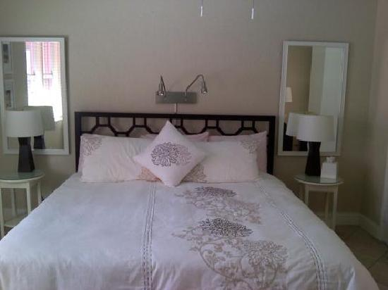 WalkAbout Beach Resort: Bedroom
