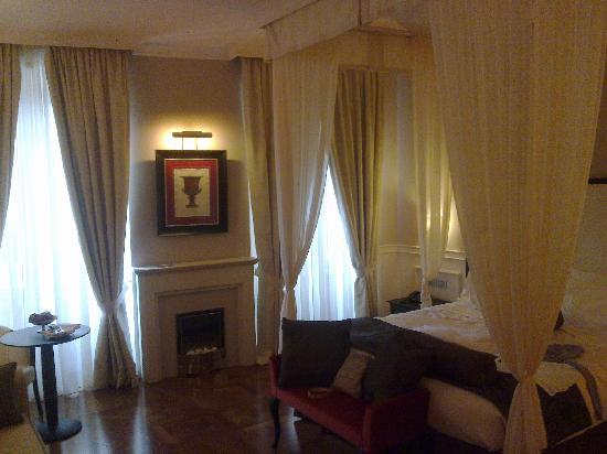 Victoria Hotel Letterario: la junior suite in cui abbiamo soggiornato è bellissima
