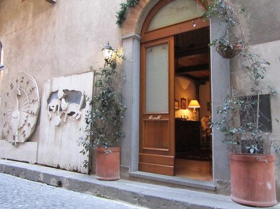 Il Teatrino B&B : Accesso da via de Saracinelli