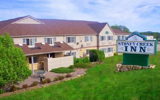 Stoney Creek Inn : Galena Exterior