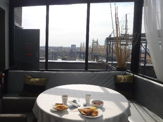 The Bentley Hotel: Restaurant - Breakfast on the 21st floor