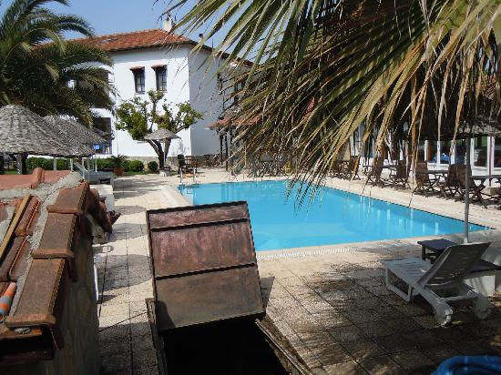 Villa Rhapsody: pool & house