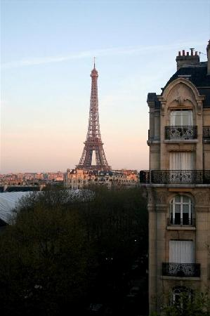Hotel Duquesne Eiffel : Our view