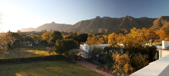 Roosje van de Kaap: Garden and few of the Langeberg Mountains.