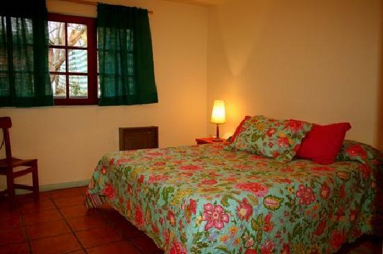 La Justina Hostel: nuestro cuarto era privado pero tambien habia para compartir