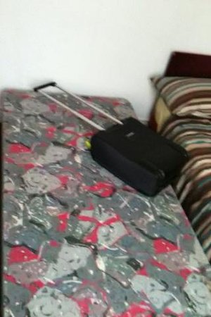 J and L's Guest House: no mattress !!!!