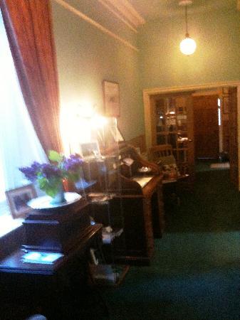 Old Vicarage Guest House: Entrance
