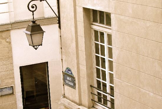 Hotel Jeanne D'Arc : View from the window