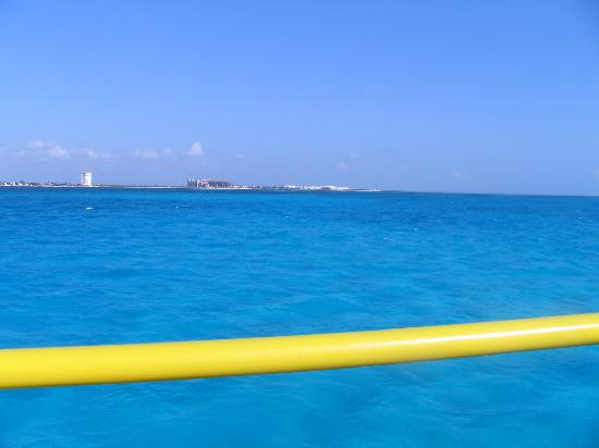 Excellence Playa Mujeres: Ferry ride to Isla Mujeres - color of the water was amazing!