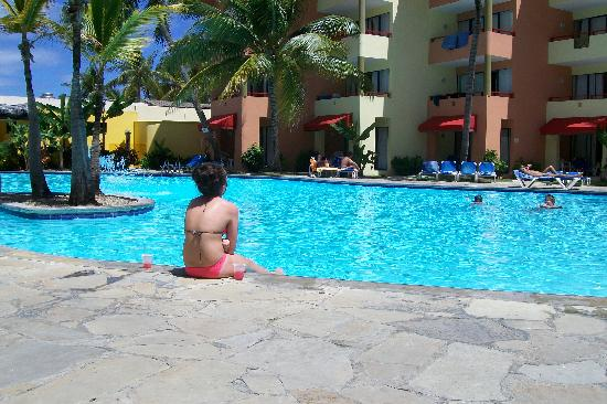 Casa Marina Beach Resort: this is the pool right by our room