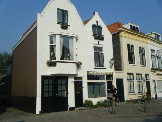 Bed & Breakfast Loogiesch: Best Bed & Breakfast in Schiedam, Loogiesch.