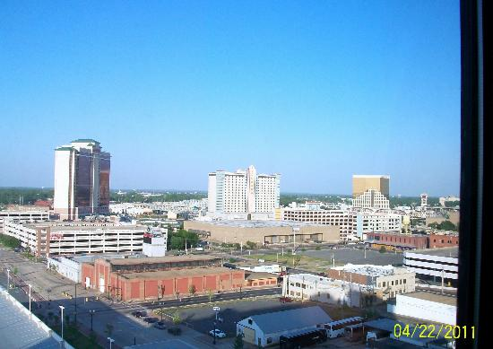 Hilton Shreveport: day view