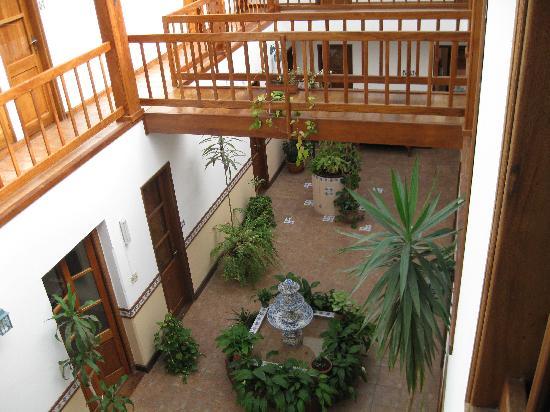 Hotel Italiano: patio2