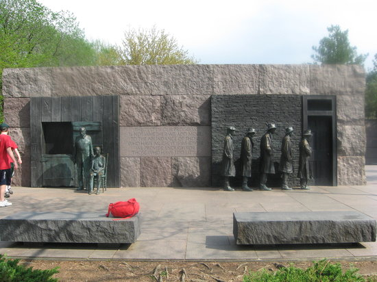 Franklin Delano Roosevelt Memorial : Remembering the Great Depression