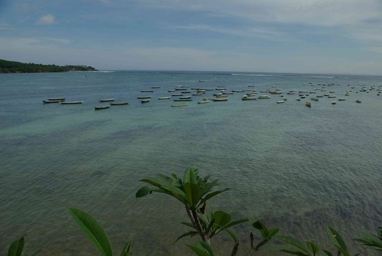 Nusa Lembongan, Indonesië: Looking back at Secret beach & surf