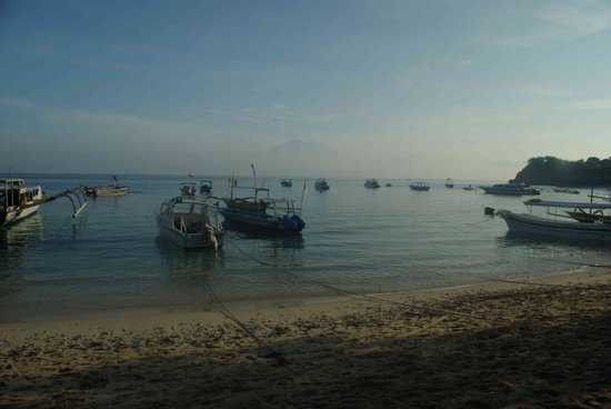 Nusa Lembongan, Indonesien: Early morning at Mushroom bay
