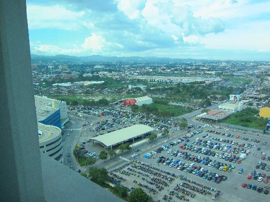 Radisson Blu Cebu: view from the room
