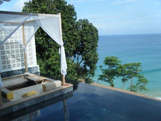 The Shore at Katathani: cabana by the pool