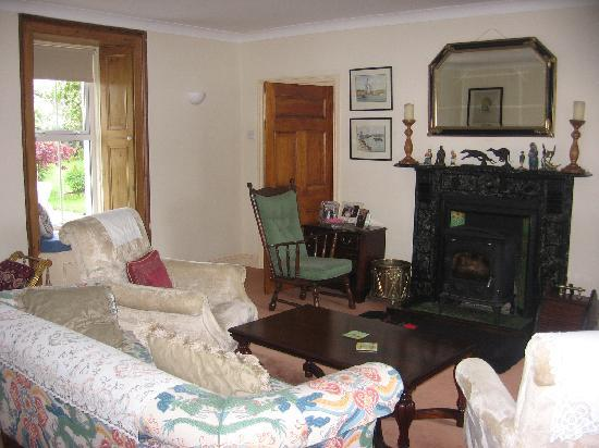 Kilcannon House Bed & Breakfast: Sitting Room