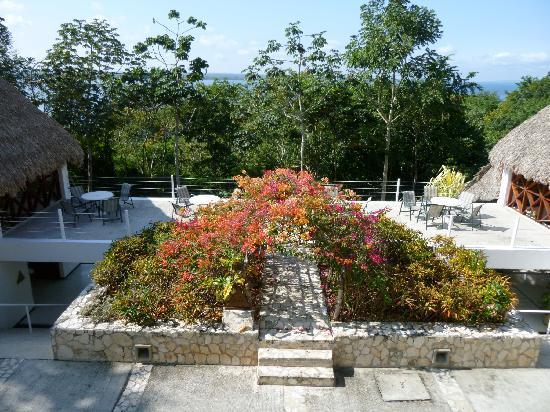 Camino Real Tikal: レストランから