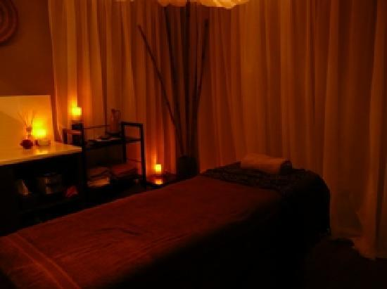 Asante Day Spa: treatment room